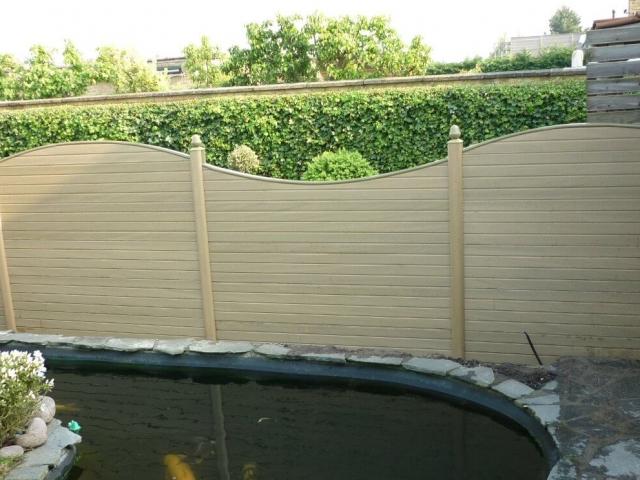 ECOfencing tuinscherm beige afwisselend boog naar boven en boog naar beneden