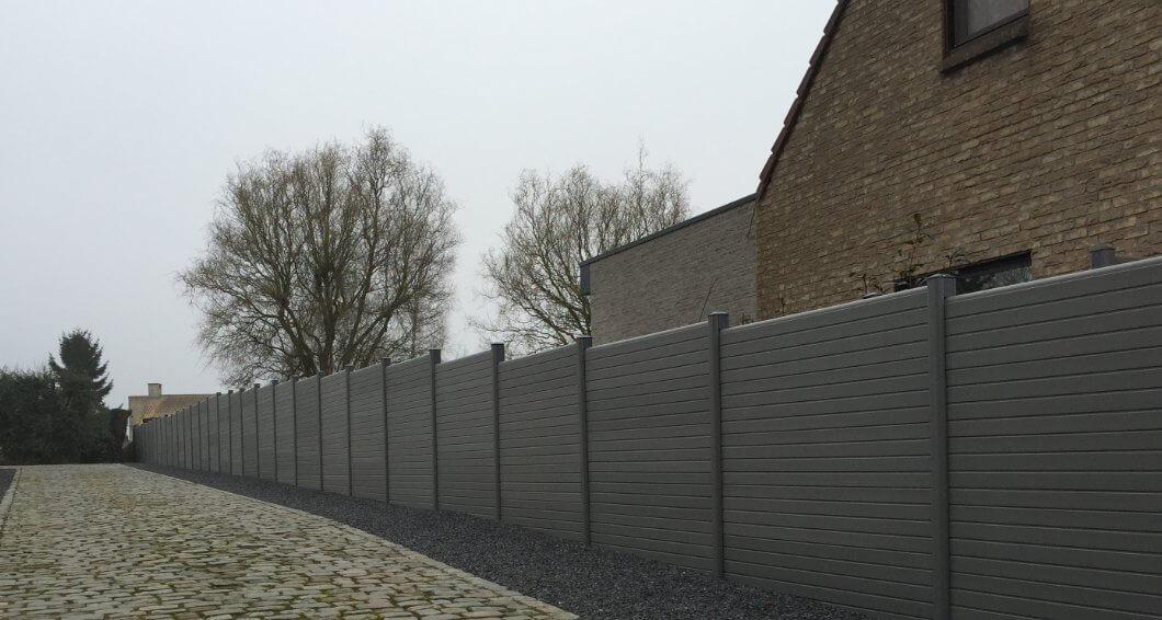 ECOfencing tuinscherm grijs naast oprit