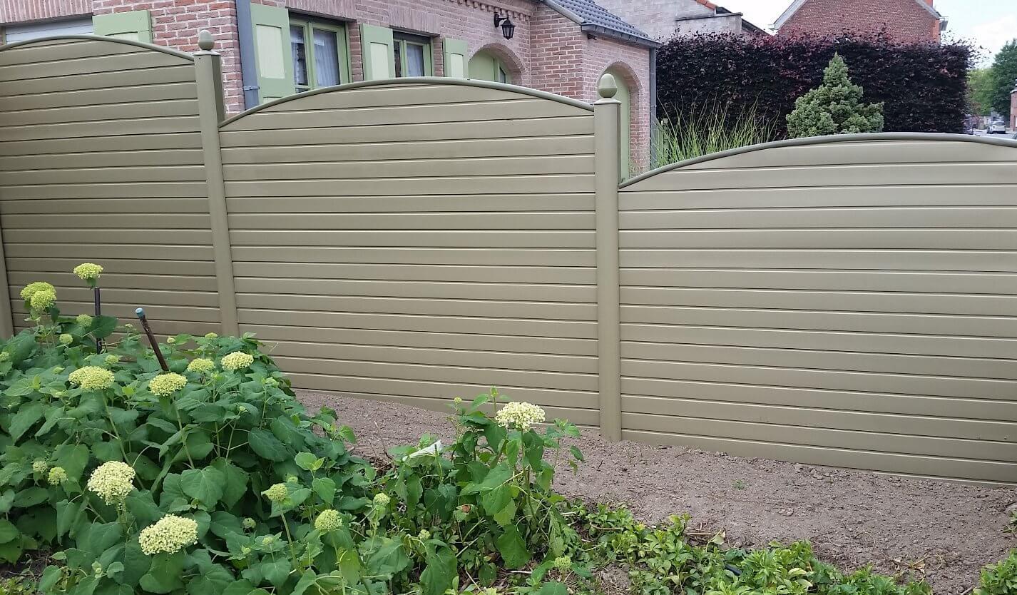 ECOfencing tuinscherm beige kleur met gebogen afwerkingspaneel
