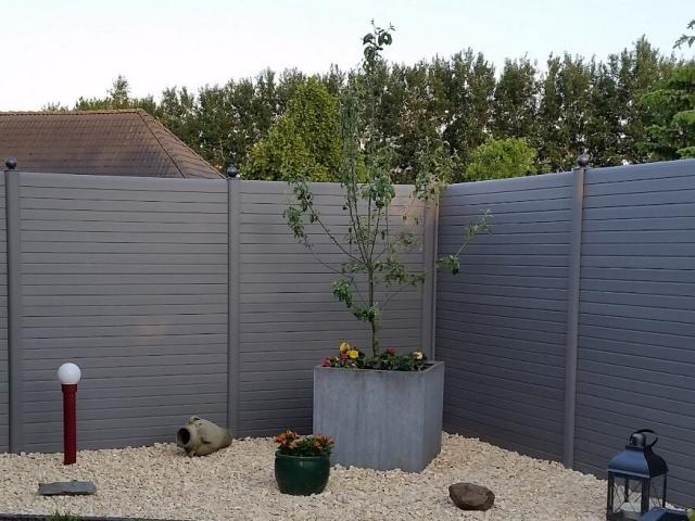 ECOfencing tuinscherm grijs met bolle paaldoppen