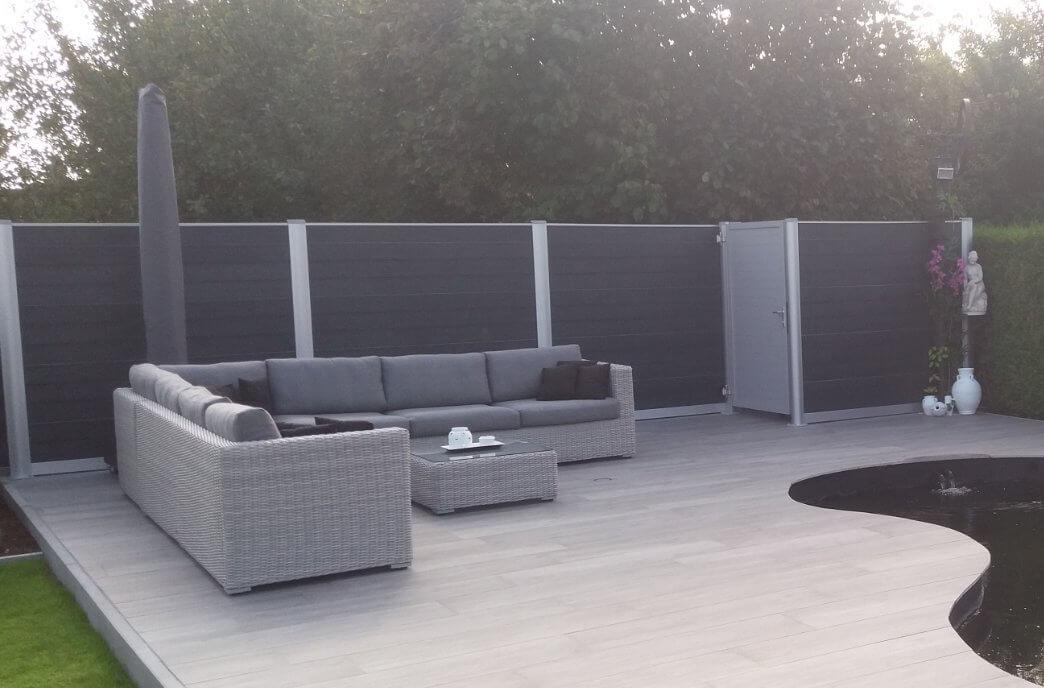 Govawall kunststof tuinscherm met aluminium tuindeur