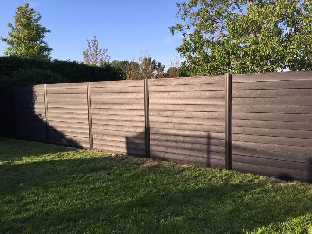 Govawall tuinscherm - zwarte palen - ural black planken