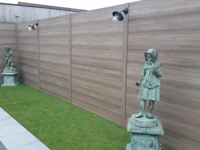 Bij BEAUFOR kan verlichting eenvoudig worden geplaatst op de palen