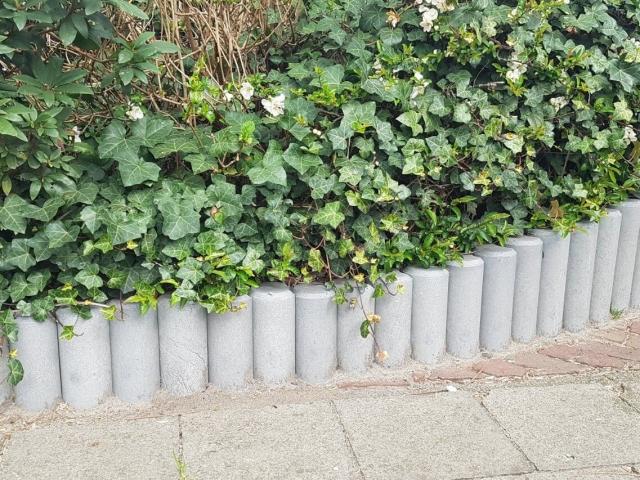 Recyclage kunststof palissades in de grijze kleur